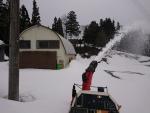 作業場の春先除雪