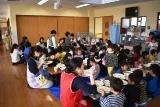 学生昼食 (1)