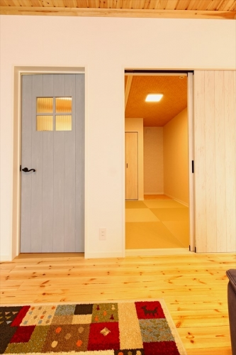 20_doors_swedenhome_hokuou.jpg