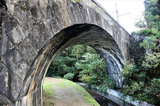 ⑪ねじり橋