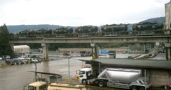 s-⑭セメント工場とタンク車