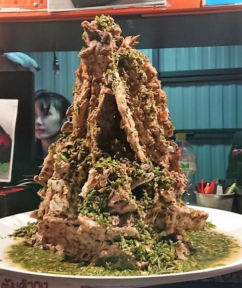 タラートロットファイ肉タワー2