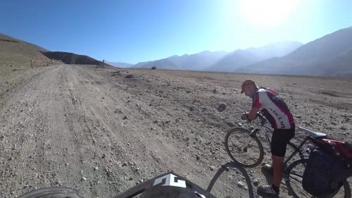 20180801_110619_Cyclist_Langar_PamirMountain_WakhanCorridor.jpg