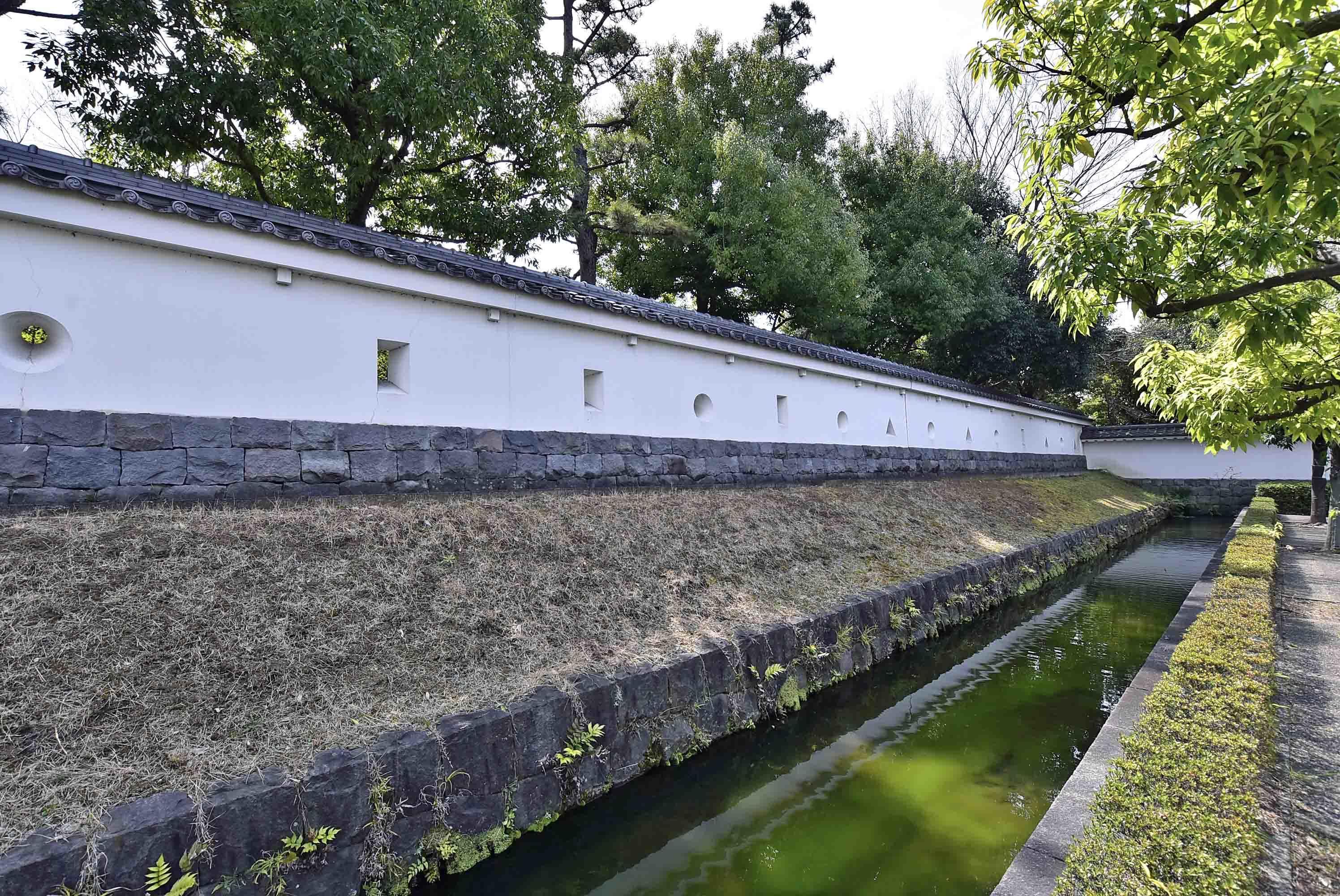 忍城の白壁